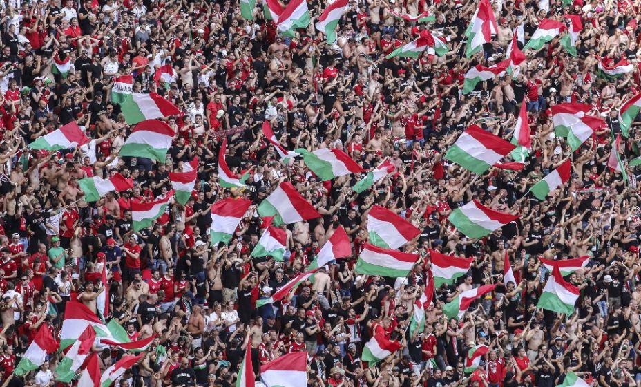 Болельщики сборной Венгрии встретили команду в столице. Фото: Global Look Press