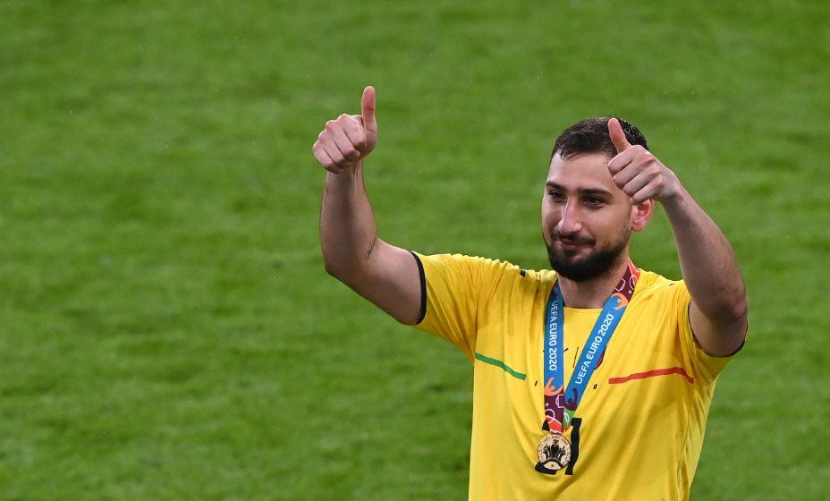 Джанлуиджи Доннарумма проявил себя в ключевые моменты для сборной Италии и стал чемпионом Европы! Фото: Reuters